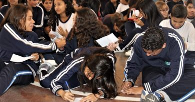 Projeto Filosofia em Ação abre espaço de fala e acolhimento para estudantes de Barueri