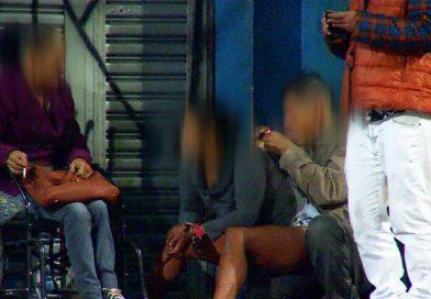 Usuários de Crack tomam conta de avenida em Carapicuíba