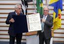 Câmara de Barueri entrega título de cidadão benemérito a Nilton Apparecido Cardoso