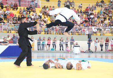 Graduação de faixas de artes marciais movimenta o Ginásio José Corrêa