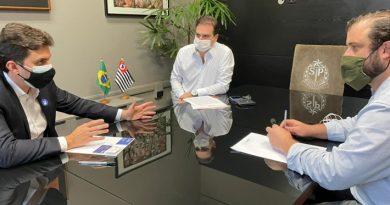 Deputado líder do governo na ALESP, recebe presidente Edson Pinto que pede ampliação de horário de bares e restaurantes e medidas de ajuda econômica